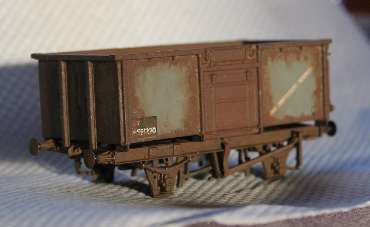 Weathering Bachmann 16t Mineral Wagons