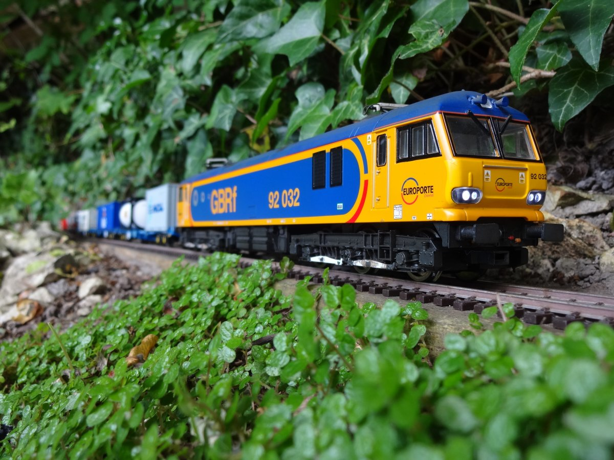 Class 92 electric loco
